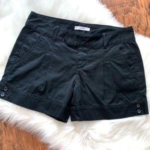 EXPRESS Black Pleated Shorts size 6